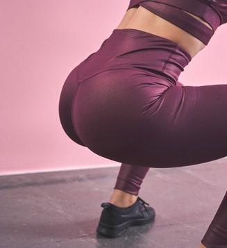 2138_cheasy_app_pink_fitness_squat.jpg