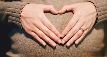 Gravid og bekymret? Sådan holder du begge ben på jorden