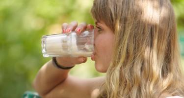 Kan man drikke for meget mælk?