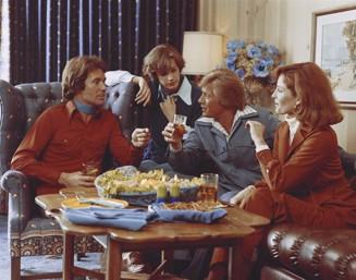 70-talsgäng tar en drink.jpg