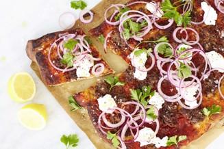 Turkisk pizza med lammfärs och syrad lök webb21467_JPG (1).jpg