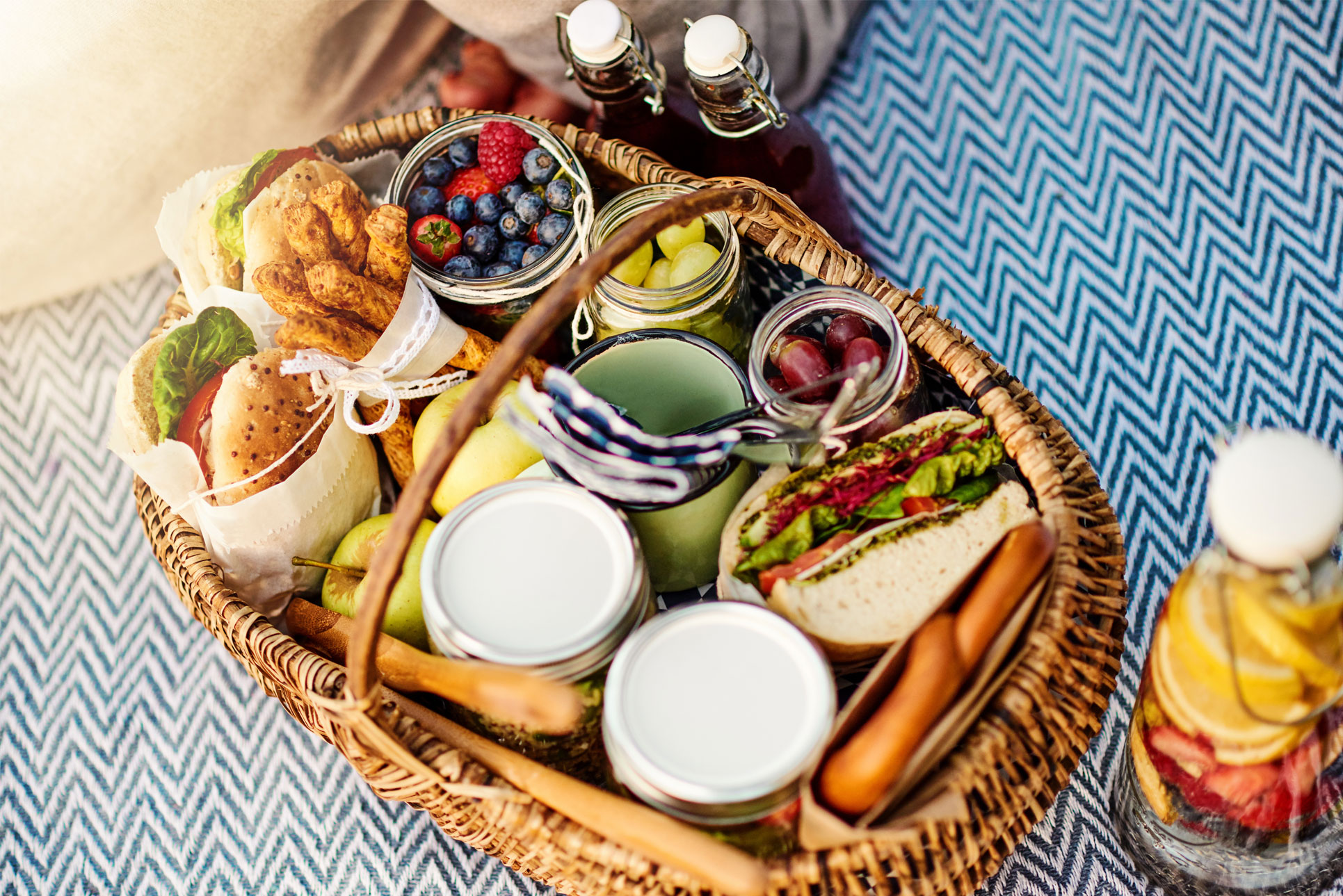 10 Of The Best Picnic Ideas Arla Cravendale Arla Uk