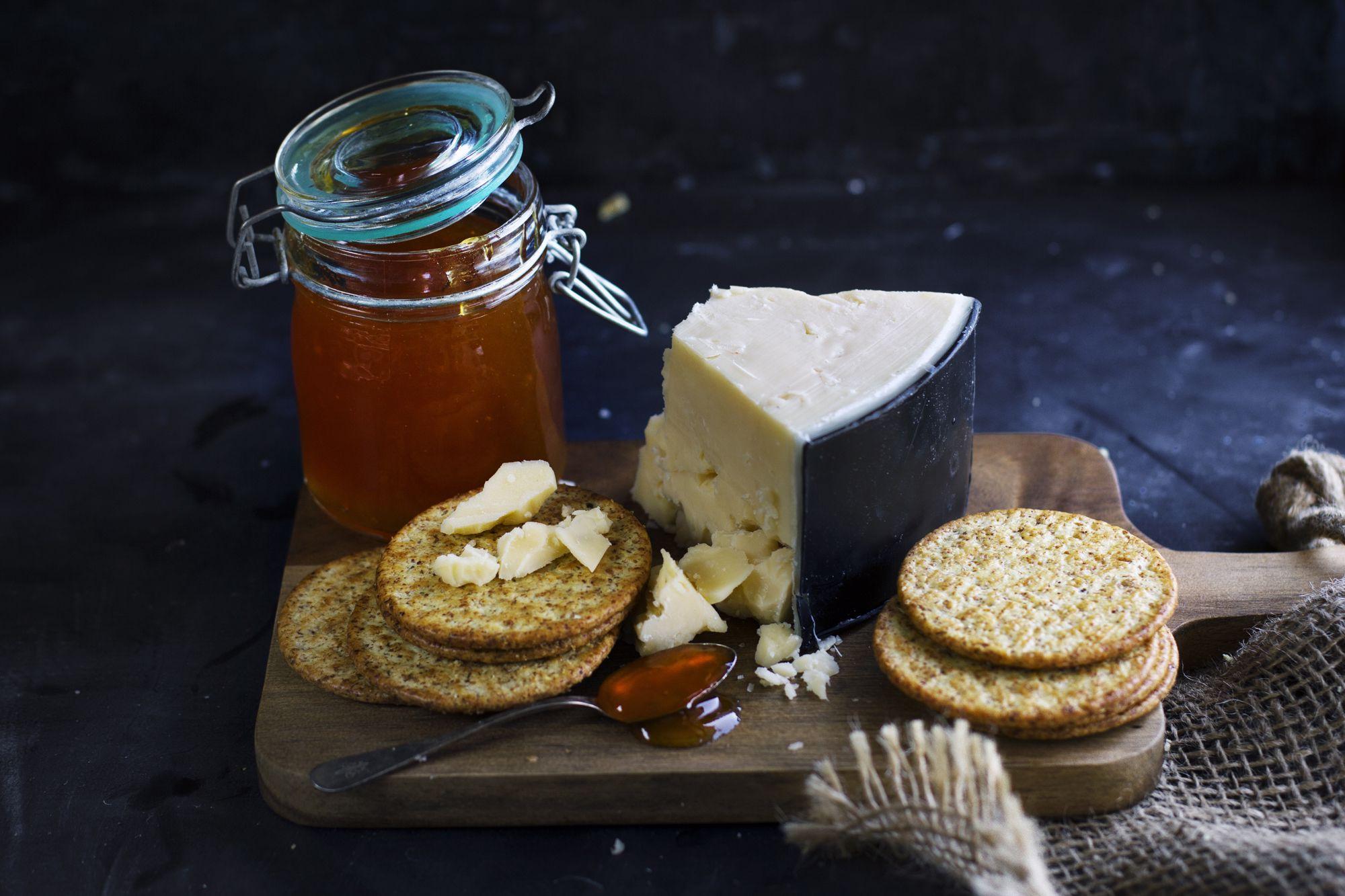 Cheddar – en av världens mest populära ostar